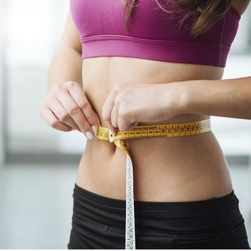 Delinear el cuerpo con la abdominoplastia o cirugía de abdomen