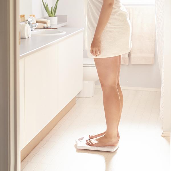 ¿Cuál es el peso mínimo para una reducción de estómago?